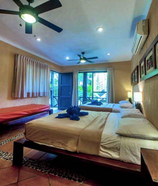 cuartos para familia mahahual